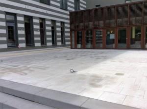 Terassenplatten Verlegung im Hotel Bereich